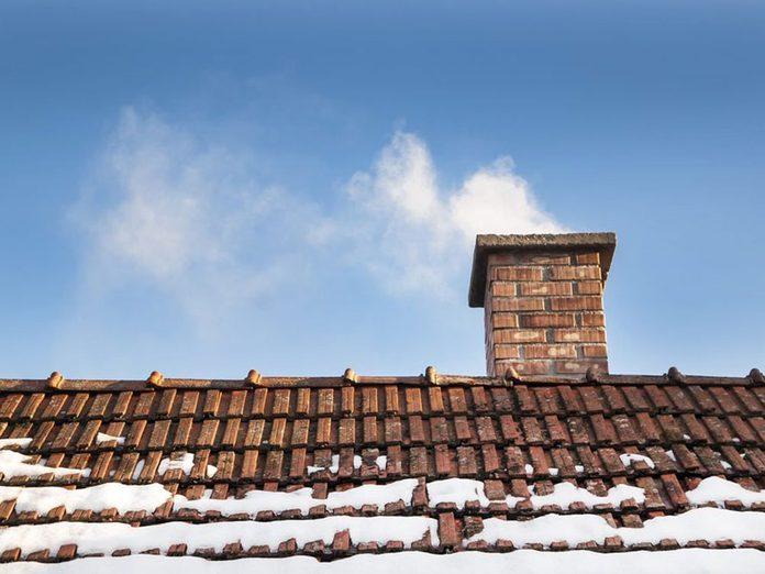 N'oubliez pas de faire le grand ménage de la cheminée.