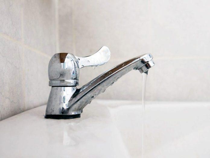 N'oubliez pas de faire le grand ménage des aérateurs de robinet.