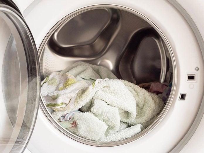 N'oubliez pas de faire le grand ménage de votre laveuse.