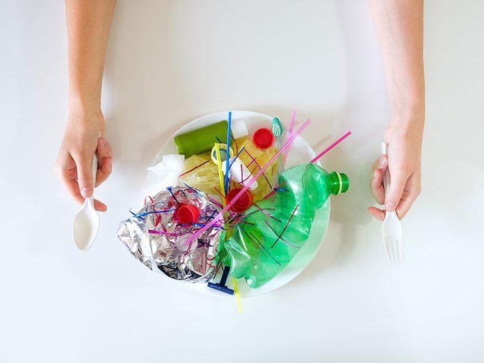 Interdire le plastique en temps de pandémie.