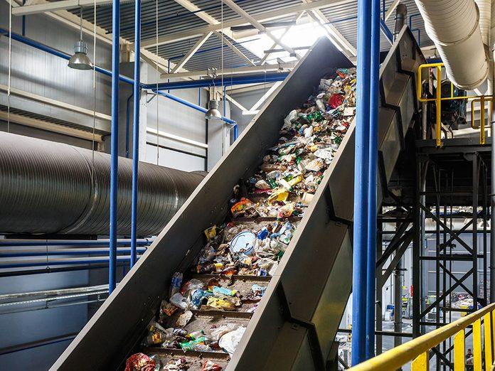 Interdire le plastique: vers une économie circulaire.
