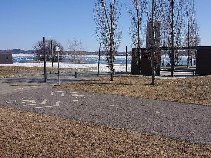 La promenade Samuel-De Champlain est l'une des pistes cyclables à faire à Québec et à Montréal.