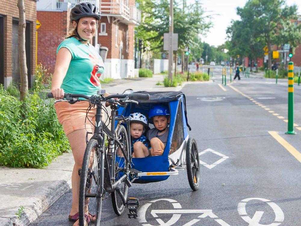 Vision vélo: la piste cyclable à Montréal sur la rue Bellechasse.