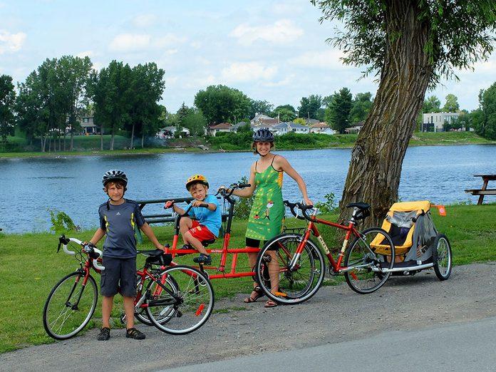 La piste cyclable du boulevard Lévesque Est à Laval, Montréal.