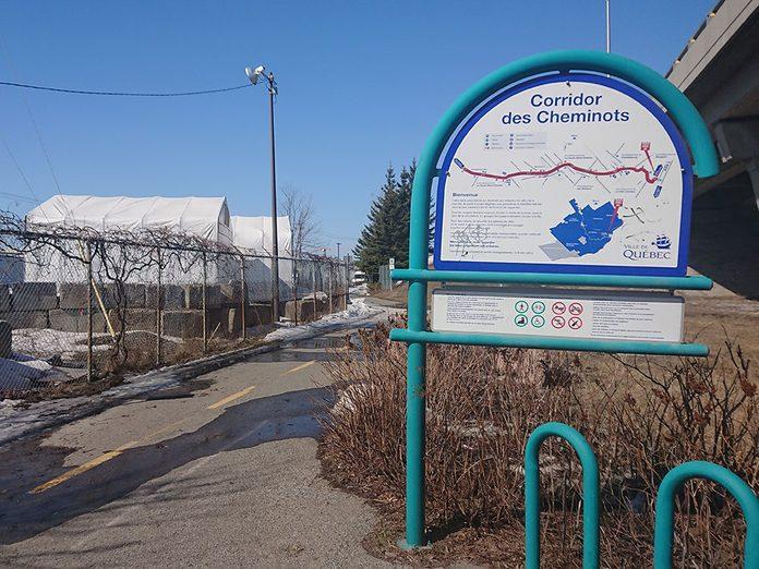 Le corridor cyclable des Cheminots à Québec est l'une des pistes cyclables à faire à Montréal et à Québec.
