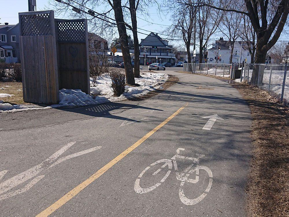 Le parcours des Anses à Lévis est l'une des pistes cyclables à faire à Montréal et à Québec.
