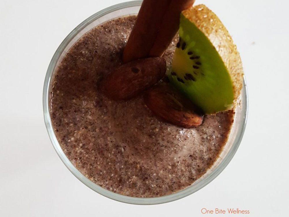 Pouding aux graines de chia à la vanille épicée.