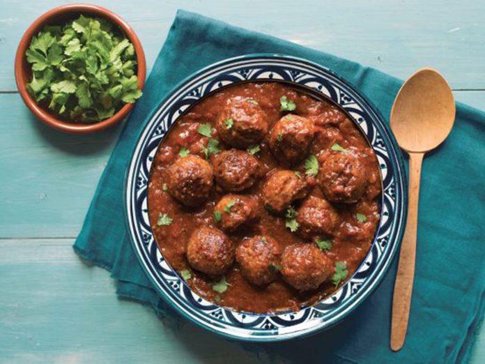 Venez essayer l'une de ces recettes du monde telles que le tajine du Maroc.