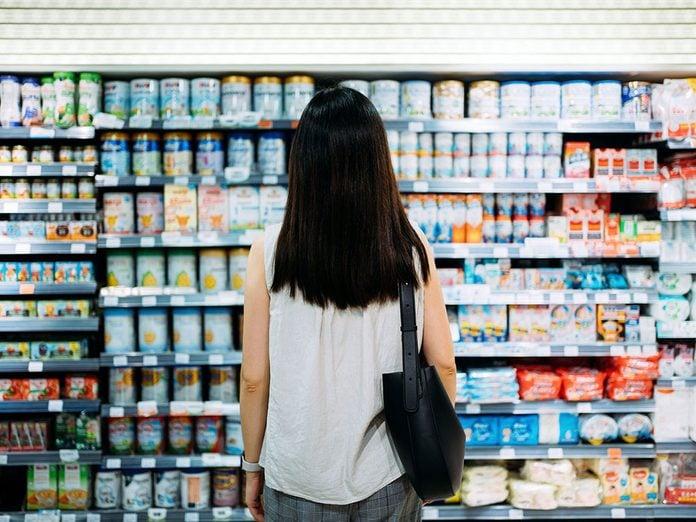 Mieux vaut éviter d'acheter des aliments de marque pour pouvoir réduire ses dépenses.e Ses Depenses Achat Epicerie Aliments Marque
