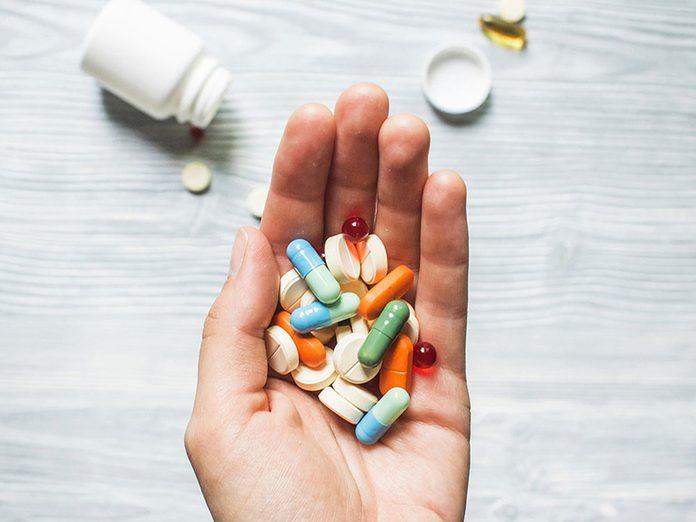 Mieux vaut éviter les médicaments d'origine pour pouvoir réduire ses dépenses.