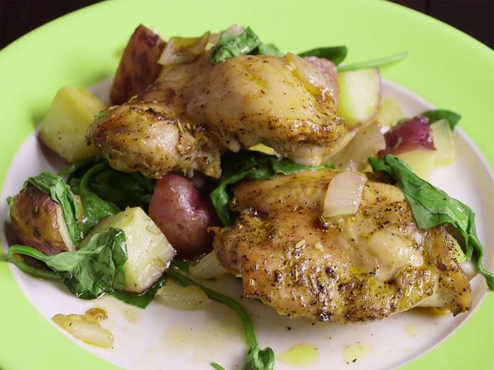 Repas Sur Une Plaque Poulet Roti Legumes