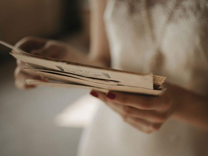 Chine: Kati se prépare à passer un semestre universitaire en Espagne quand elle lit enfin la lettre de ses parents biologiques.