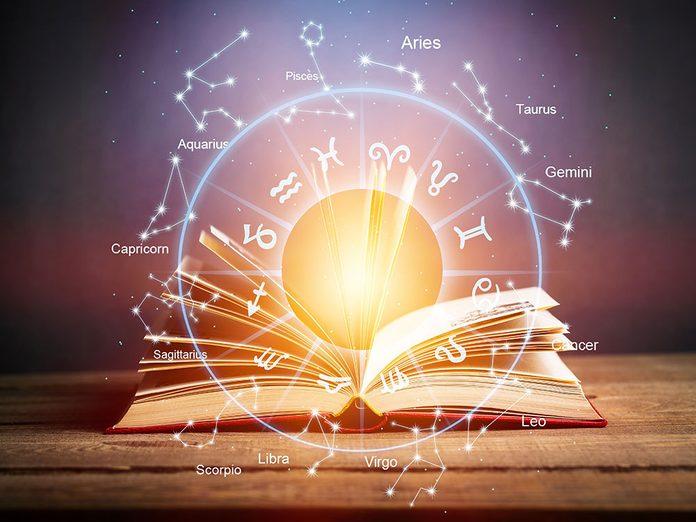 Astrologie: pourquoi les horoscopes sont-ils si populaires?