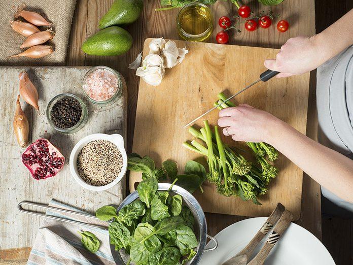 Comment ajouter du quinoa à son alimentation pour profiter de ses bienfaits?