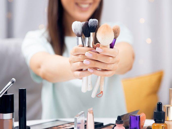 Quand devriez-vous remplacer vos pinceaux de maquillage?