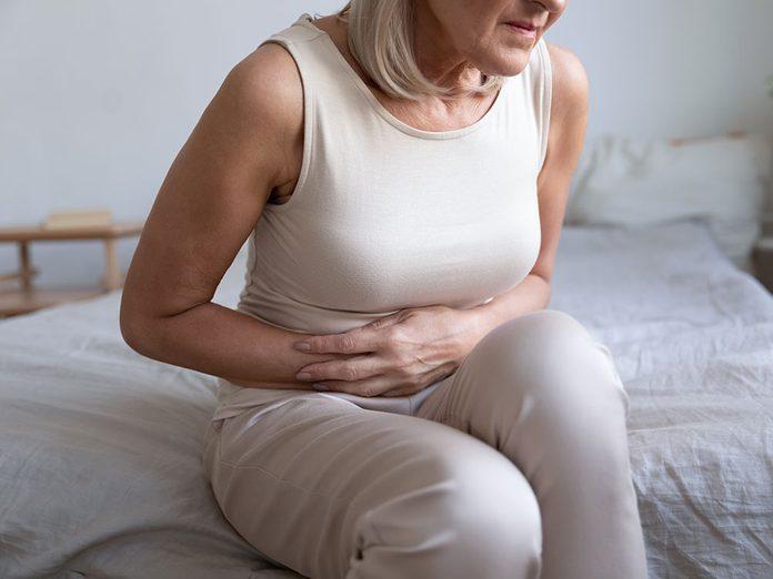 Douleurs: la sensation de brûlure était un symptôme de cancer colorectal.