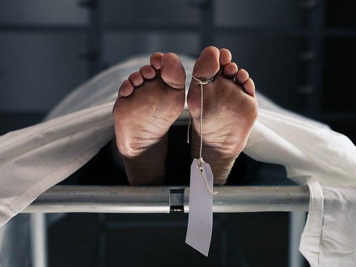 L'identification visuelle avant les funérailles.