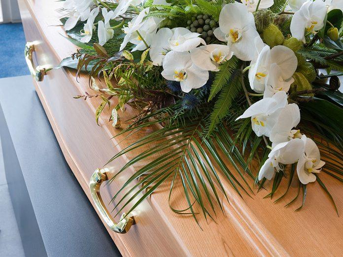 Funérailles: les frais d'obsèques optionnels.