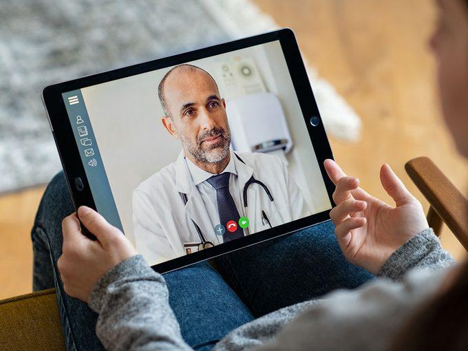 Peut-on se fier aux évaluations d'un médecin faites en ligne?