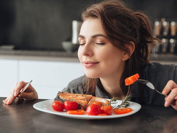 Une altération de l'odorat peut affecter l'appétit.