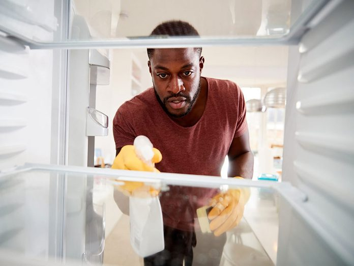 Mieux vaut avoir une cuisine impeccable pour éviter les parasites dans la maison.