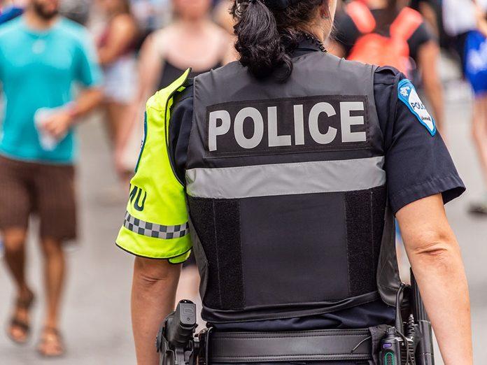 La police est souvent stigmatisée.