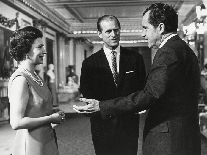 Le prince Philip lors de l'accueil au président Richard Nixon.