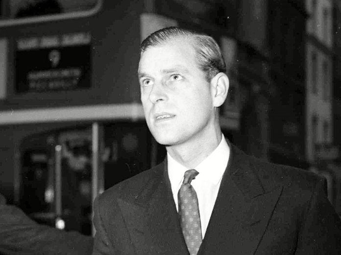 Le prince Philip, le jeune papa.