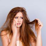 Cheveux gris ou clairsemés, pellicules, et autres problèmes de cheveux expliqués