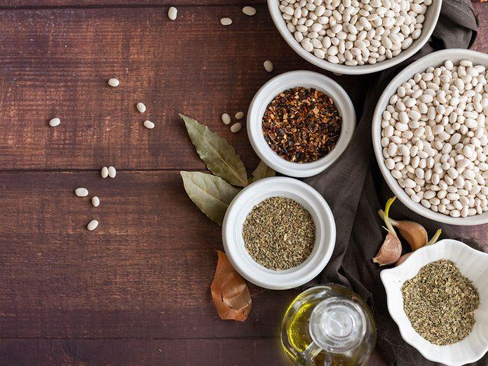 Comment est-ce différent d'un régime végétalien ou végétarien?
