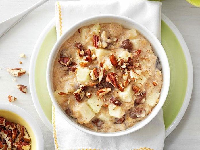 Recette de gruau aux noix et raisins secs.