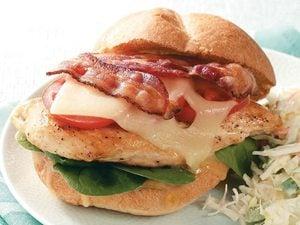 Sandwiches bacon-poulet