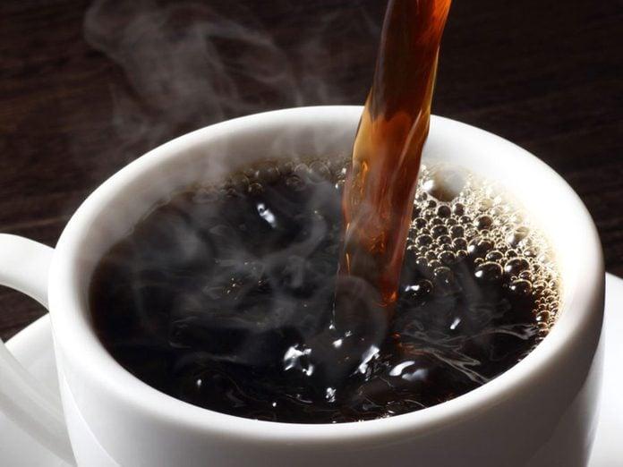 Il existe un risque de cancer avec le café brûlant.
