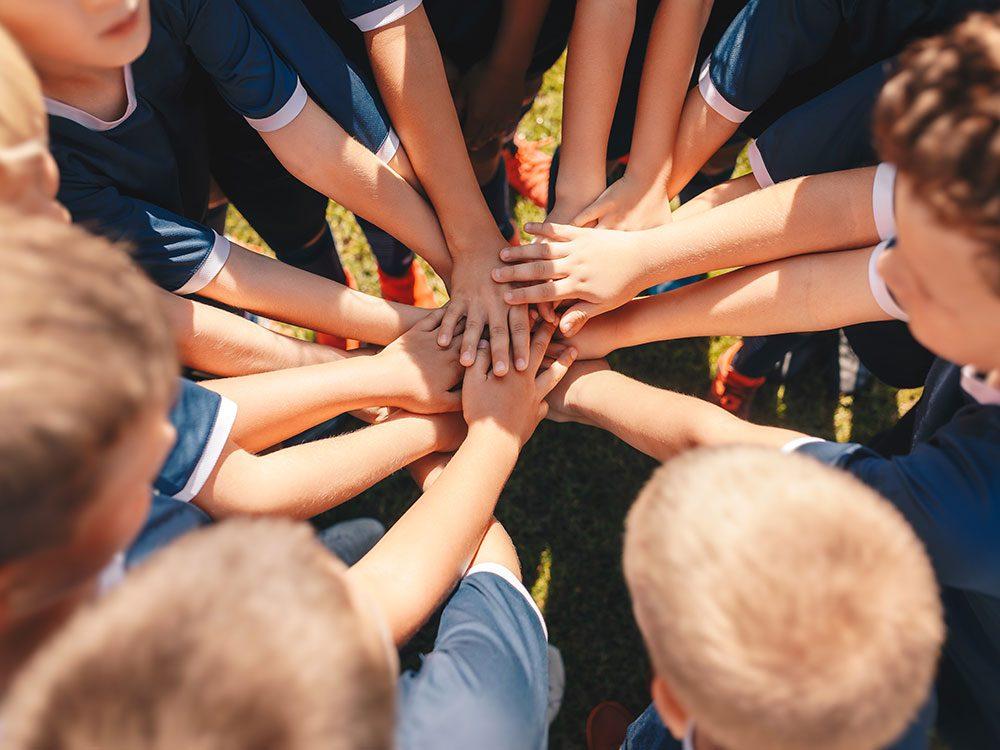 Un déficit de lien social< par manque de sport d'équipe.