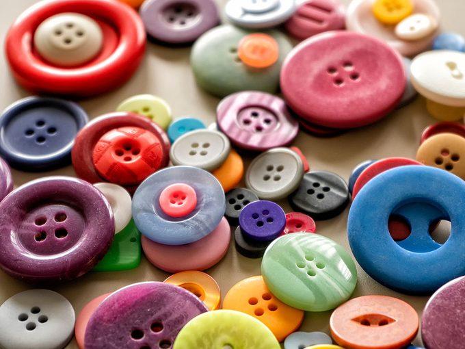 Le témoignage d'une vie grâce à des boutons du souvenir.
