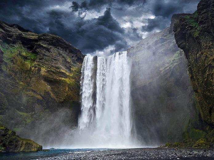 Témoignage: un père et ses deux enfants se perdent en montagne et doivent faire face au torrent.