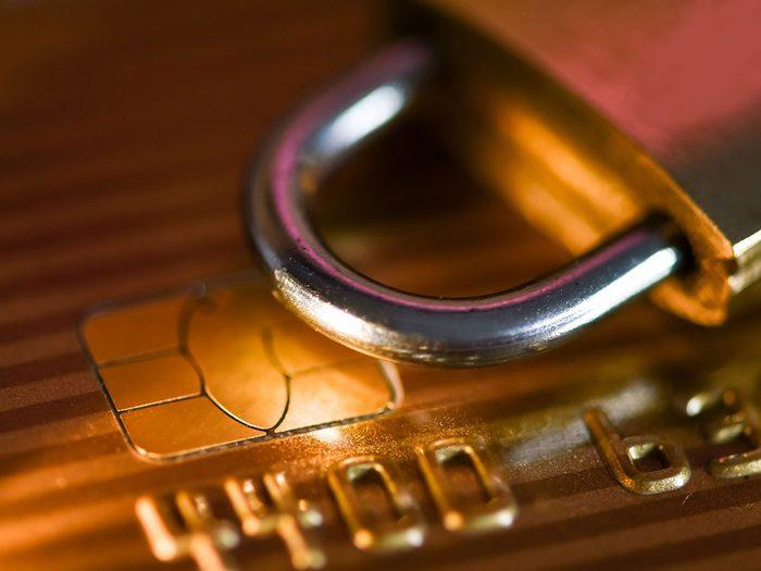 Comment ne pas se faire pirater: protégez les informations de votre carte de crédit.