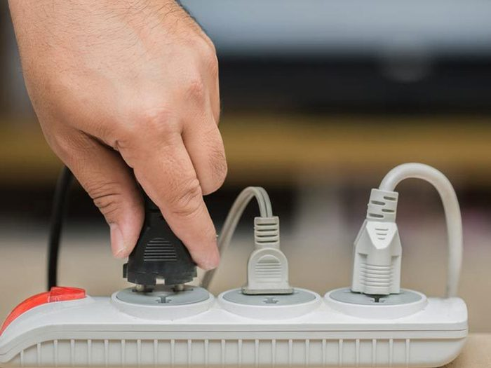 Omettre les dispositifs anti-surtensions est l'une des choses qui réduisent la durée de vie d'un lave-vaisselle.