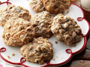 Biscuits aux raisins secs et à l'avoine à l'ancienne