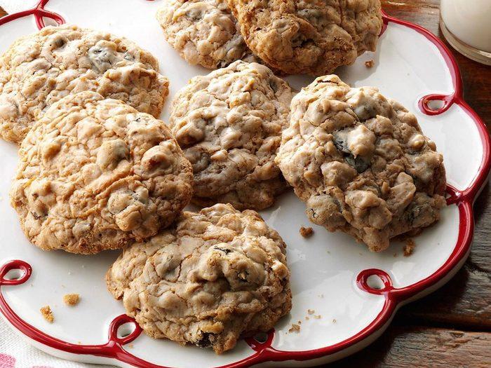 Recette de biscuits aux raisins secs et à l'avoine à l'ancienne.