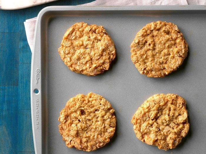 Recette de biscuits glacés à l'avoine et à la noix de coco.