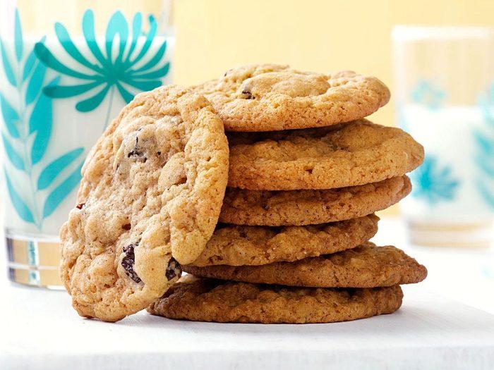 Recette de biscuits à l'avoine et aux raisins secs.