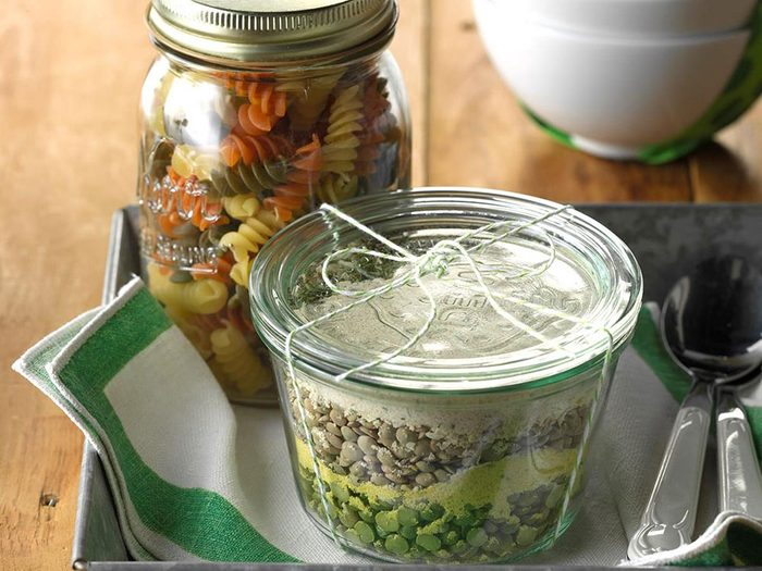 Recette en pot de sMélange de soupe aux pâtes.