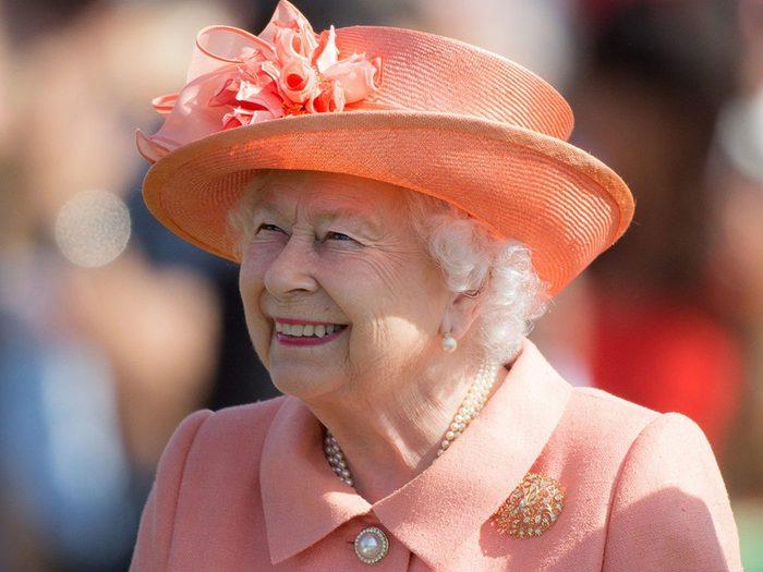 Les obligations royales de la Reine Elizabeth sont passées aux plus jeunes.