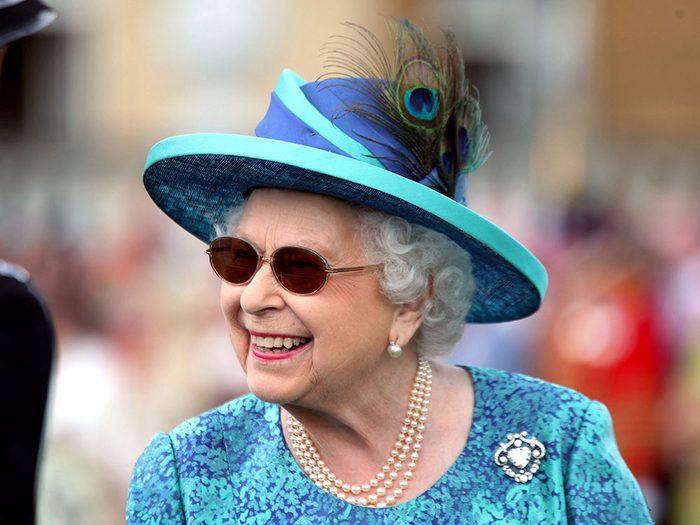 Reine Elizabeth: l'abdication en raison de l'âge ne se fait pas.