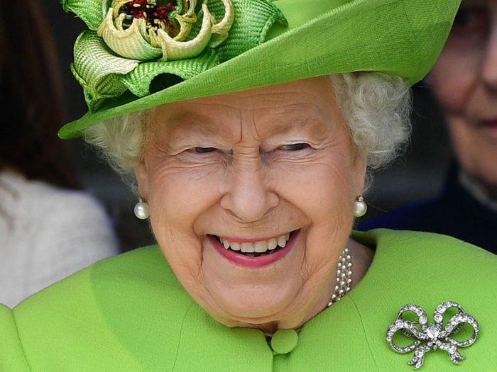 Le peuple ne veut pas que la Reine Elizabeth abdique.