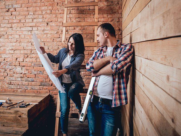 Les rénovations peuvent briser des couples… voici comment éviter le pire.
