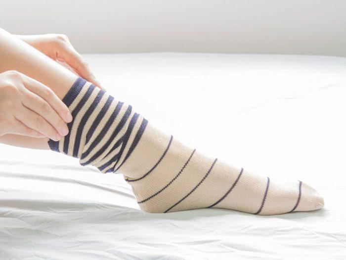 Ce que vous ne savez pas sur le sexe: gardez vos chaussettes pour avoir un orgasme.