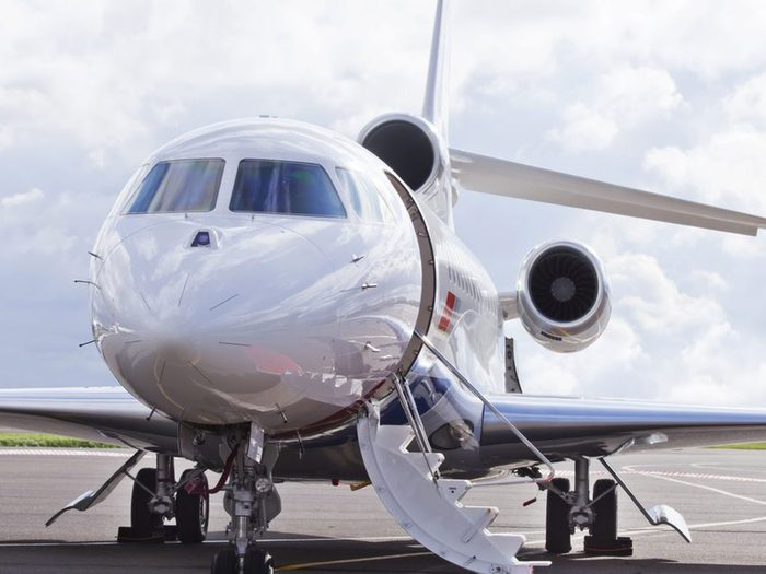 Vous pouvez acheter un avion avec 1 milliard de dollars.