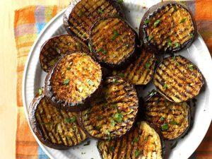 Aubergines grillées épicées